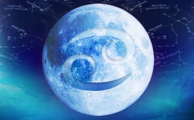 full moon and cancer symbol